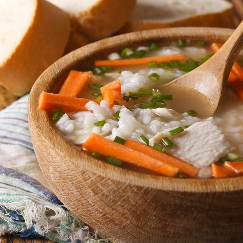 Minestra di riso con pollo e verdure